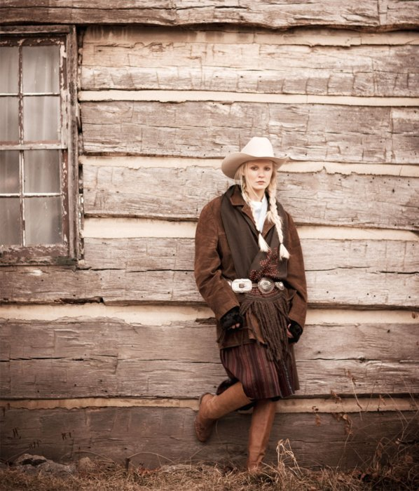 A western themed fashion shoot with 1800's setting