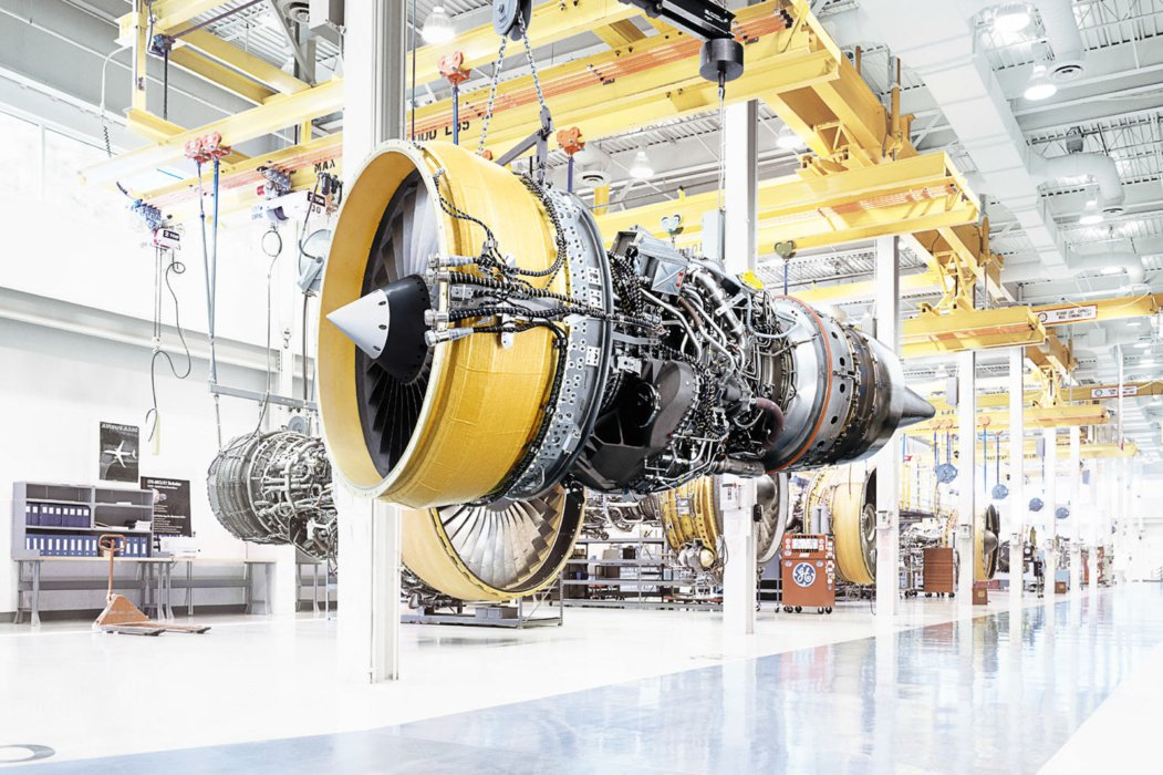 Industrial assembly line for airplane engine