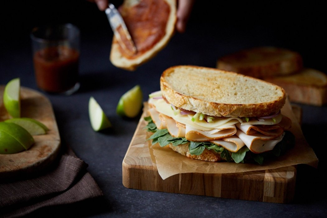 Toasted sandwiches and apples