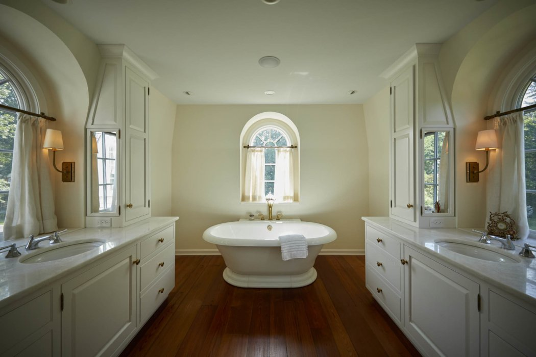 Interior architecture of a bathroom
