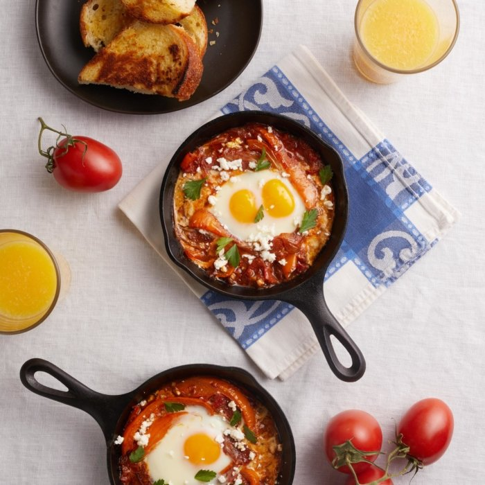 A egg and tomato and chili in cast iron