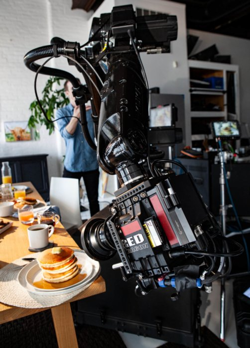 BTS Robot arm and camera shooting pancakes