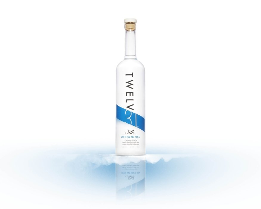 Twlev 31 silk - white rum and vodka on a wispy white