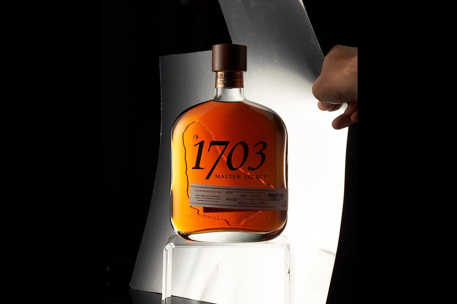 A 1703 bottle with smoke before retouching