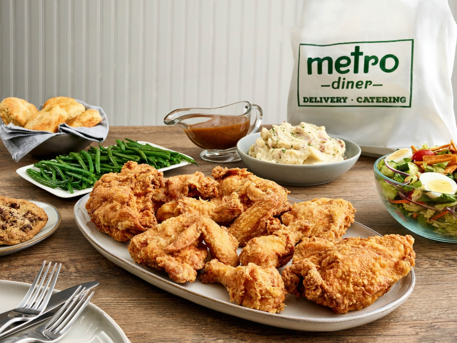 Metro diner fried chicken dinner - food photography